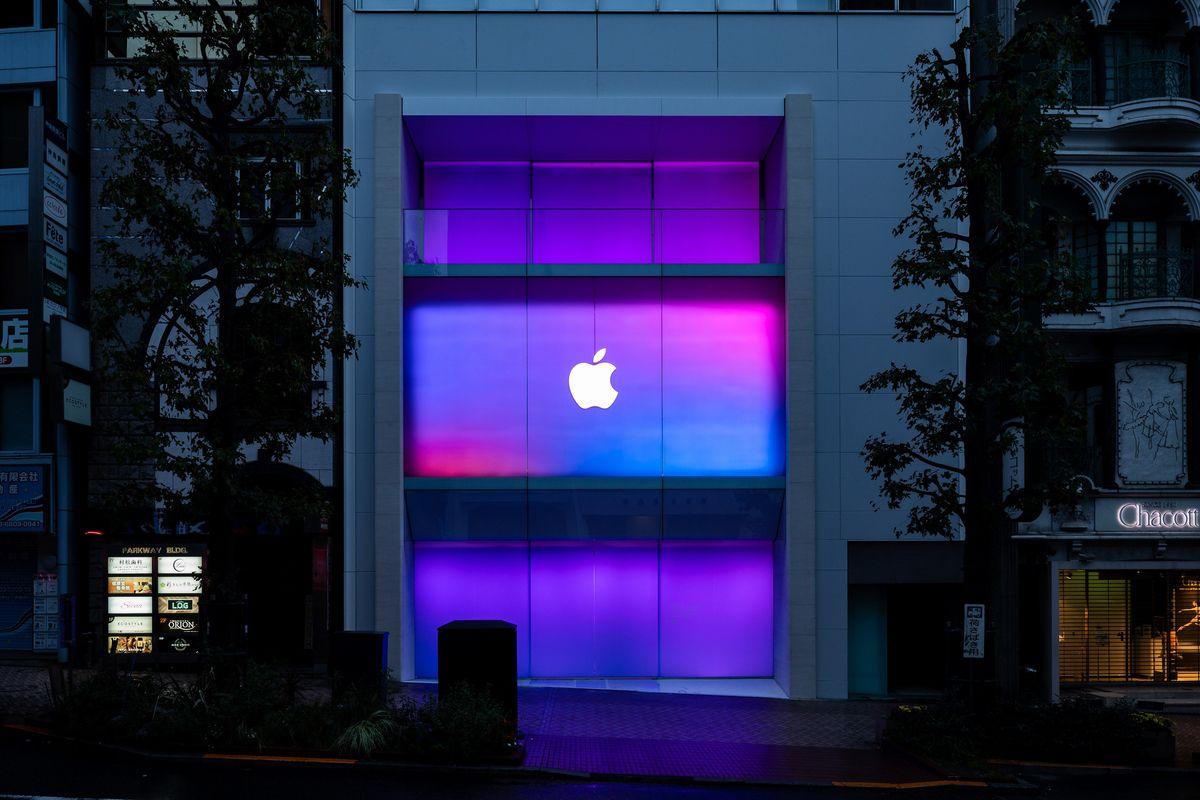 # 霓虹色的蘋果:Apple Store 澀谷店終於盼來重新開幕! 4