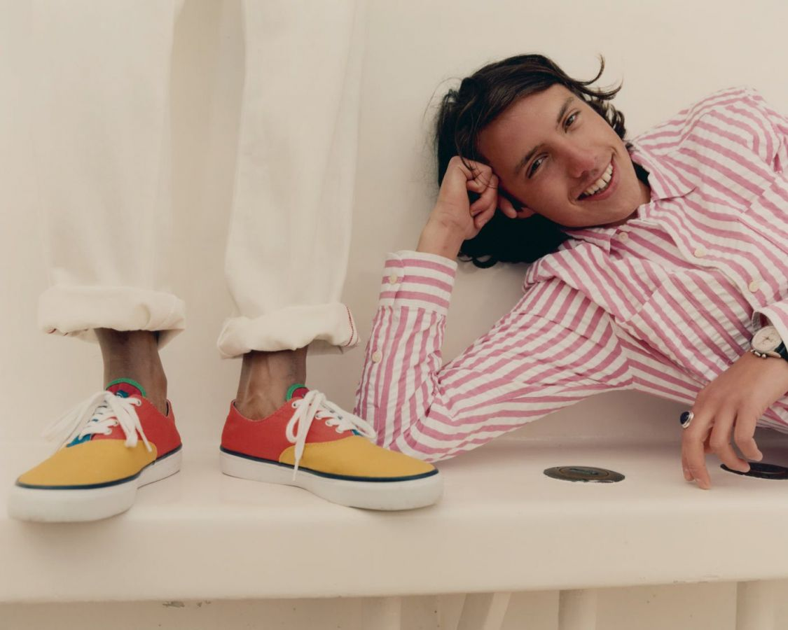 # In Your Shoes 017:單一太無聊,異樣才夠看!盤點近期火紅的「拼接」鞋款 12