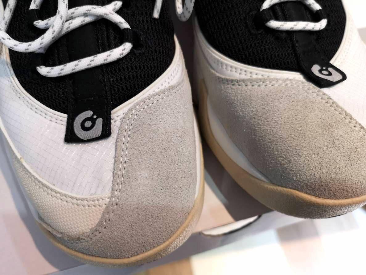 # In Your Shoes 017:單一太無聊,異樣才夠看!盤點近期火紅的「拼接」鞋款 15