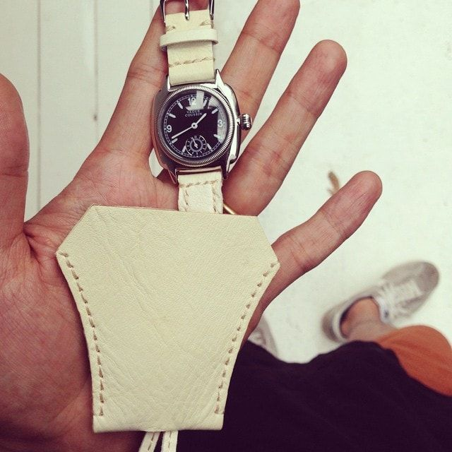 4.VAGUE WATCH Guidi pendant with watch