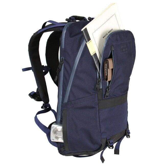 # Bag Yourself 021:以為夾層多就夠了嗎?層層堆疊的組合包款才是實用至上! 2