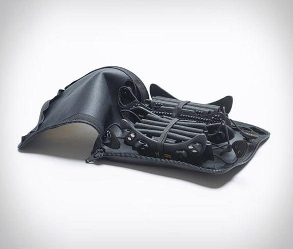 # 一底敵百: Vibram 可攜式機能鞋底 5