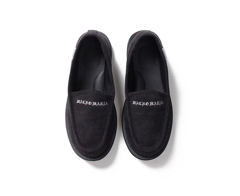 # 當室內鞋也可外穿:WACKO MARIA × SUICOKE 聯名樂福鞋款登場 5