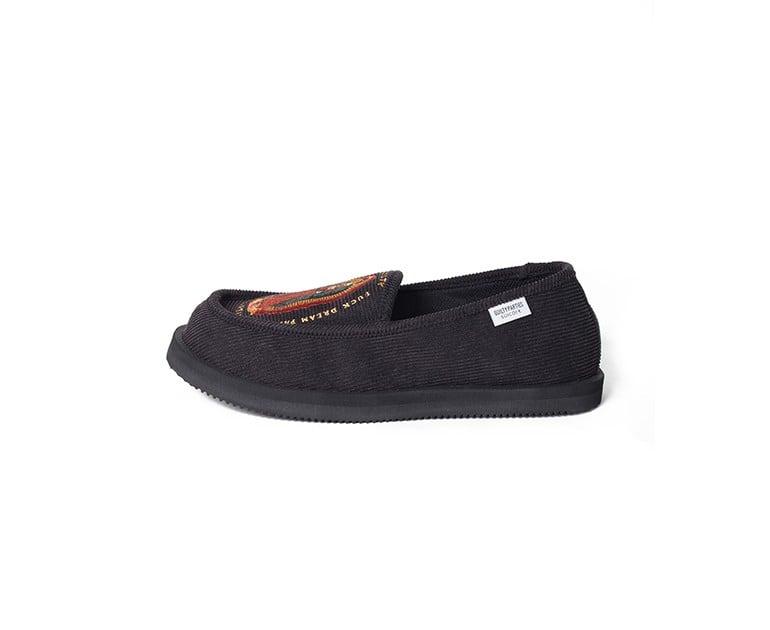 # 當室內鞋也可外穿:WACKO MARIA × SUICOKE 聯名樂福鞋款登場 3