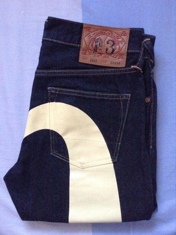 """# EVISU 這個""""倒""""E 牛仔褲究竟什麼來歷?:以及為何再次找上陳冠希? 5"""