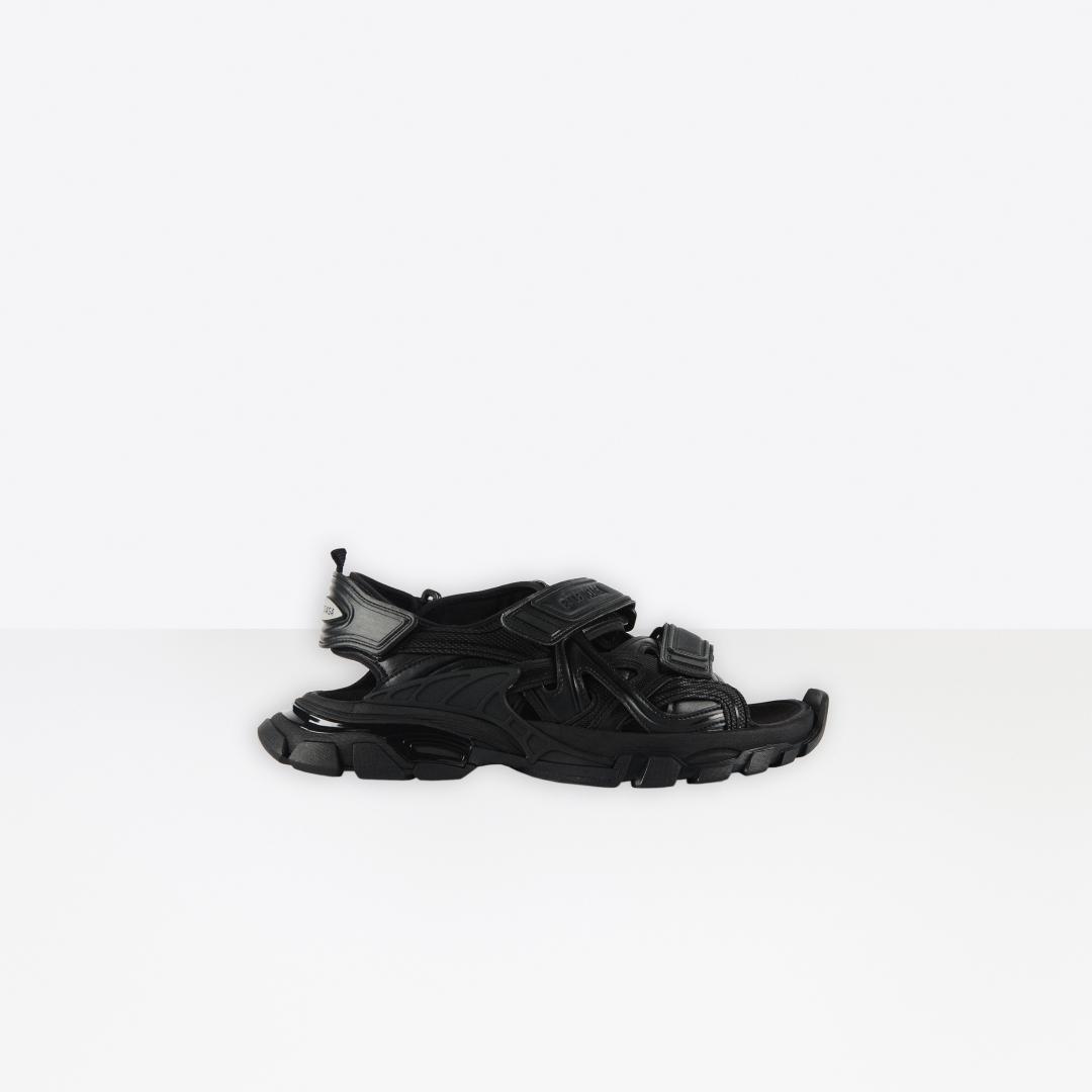 # 除了球鞋以外的全新選擇:編輯嚴選 5 款 2020 春夏涼拖鞋 4