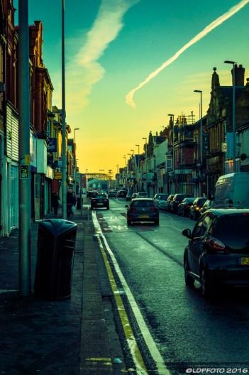 blackpool_street_narrow_cars-day-ldpfotoblog