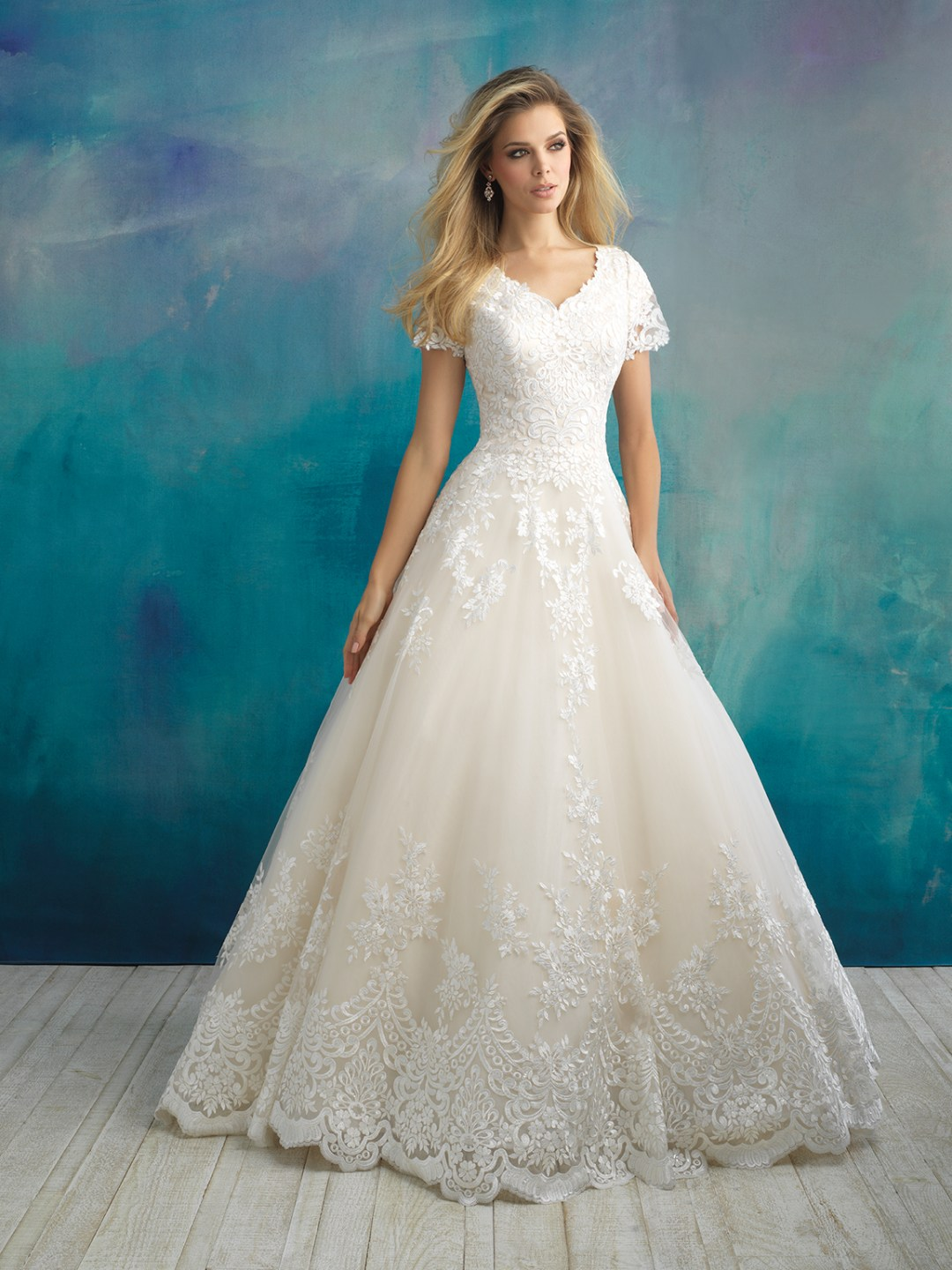25 Modest Ball Gown Wedding Dresses - 14