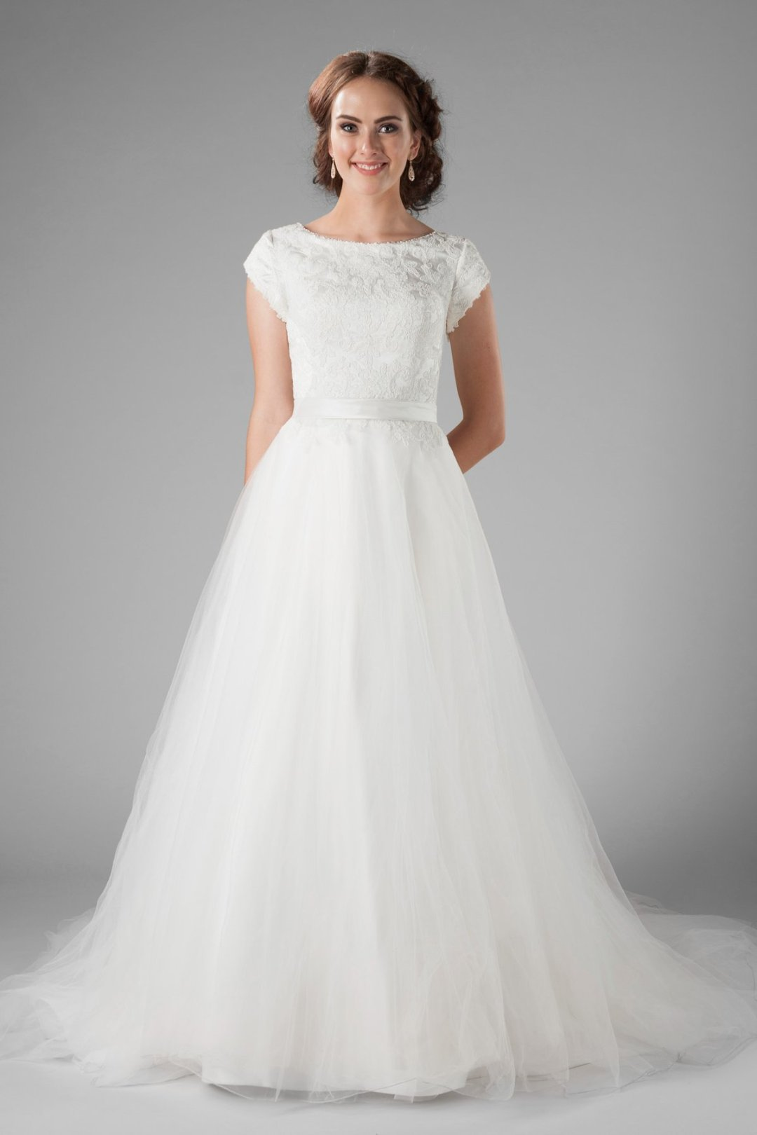 25 Modest Ball Gown Wedding Dresses - 4