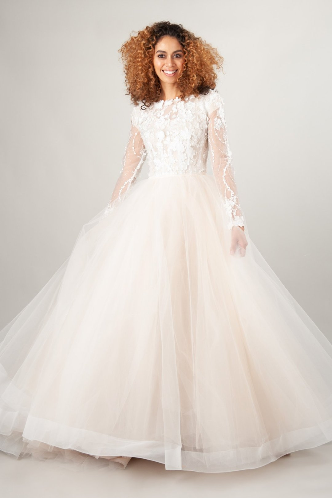25 Modest Ball Gown Wedding Dresses - 6