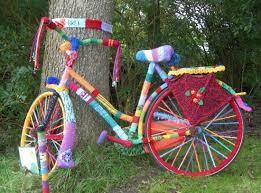 velo-yarn-bombing