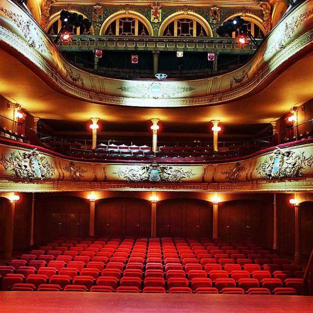 Métathéâtre Et Intertexte : Aspects Du Théâtre Dans Le Théâtre. (Book