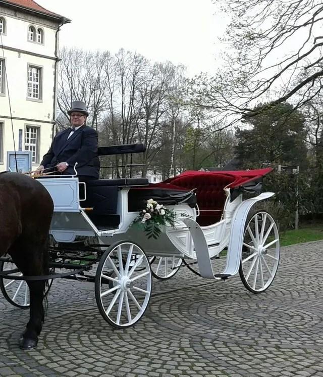 Hochzeitskutsche Hochzeitskutsche Planwagen