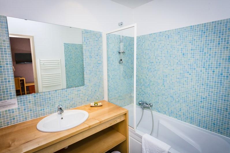 Salle de bain Chambre Junior Prestige - Hôtel *** le Chalet à Ax les Thermes en Ariège Pyrénées
