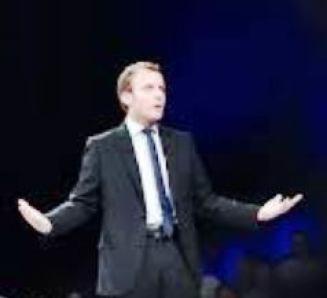 Macron cherche idéologie : urgent !