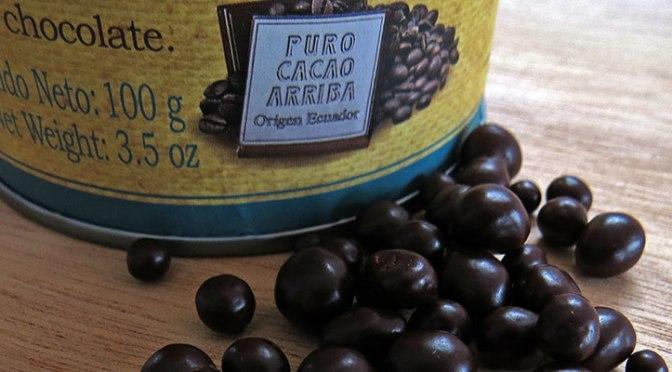 Trocitos de Café Cubiertos de Chocolate de República del Cacao.