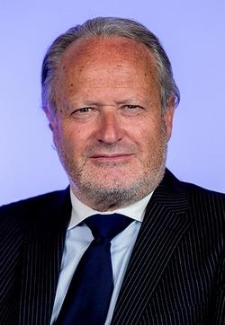 You are currently viewing Rencontre avec le DG de l'emlyon : Bernard Belletante