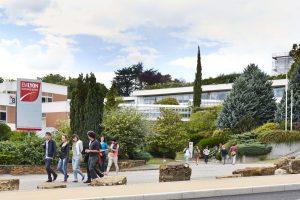 Read more about the article Rencontre avec le collectif MOCGA : des étudiants engagés pour un campus plus vert