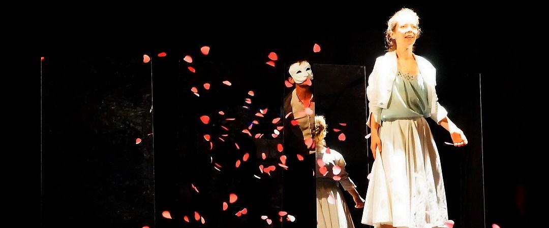 Roméo & Juliette, Sur le fil d'Ariane…