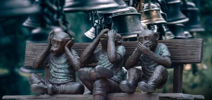 3 singes handicaps troubles