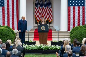 Amy Coney Barrett: candidate qualifiée ou choix politique?
