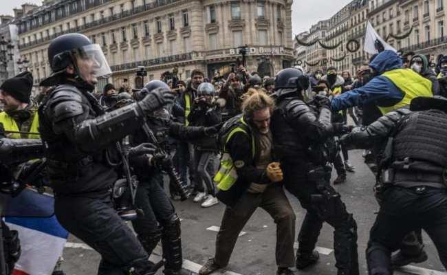 اعتقالات السترات الصفراء في عدة مدن فرنسية