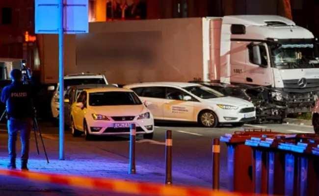 الشرطة لم تستبعد فرضية الإرهاب