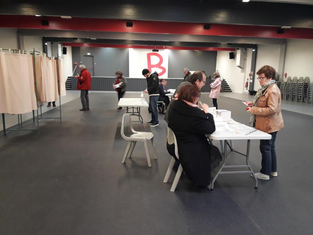 La salle Barcelone vide pour la primaire de la Gauche. /Photo A. Bernigaud