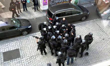 Terrorisme : 4 personnes soupçonnées de préparer un attentat kamikaze à Paris arrêtées