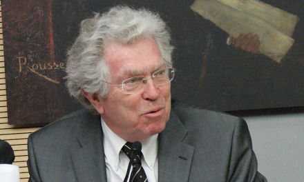 L'ancien ministre Pierre Joxe porte plainte pour diffamation