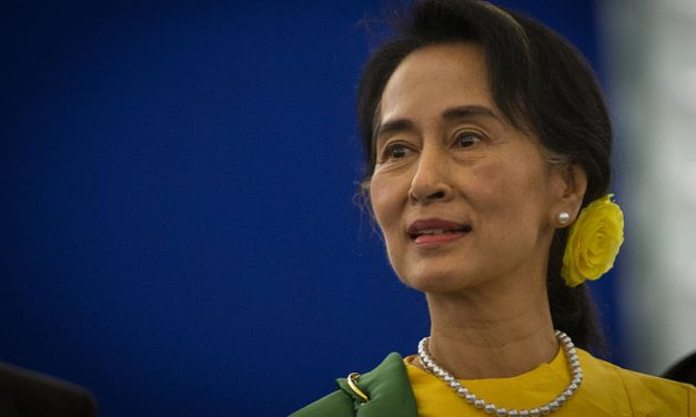 Aung San Suu Kyi salue la reconnaissance de meurtres de Rohingyas par l'armée birmane