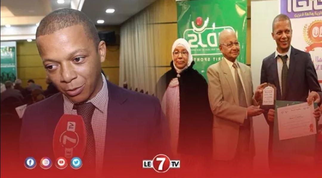 """مصور الرجاء الرياضي """" إدريس اليمني"""" ..."""" انا جد مسرور بتكريمي بعد عمل جاد وجهد كبير طيلة السنة »"""