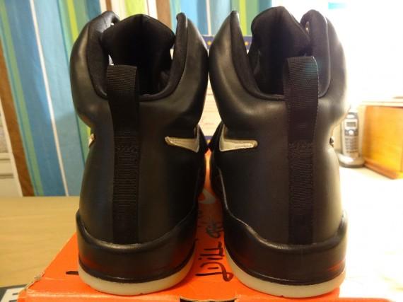 Nike-Air-Yeezy-Sample-Black-White-03-570x427