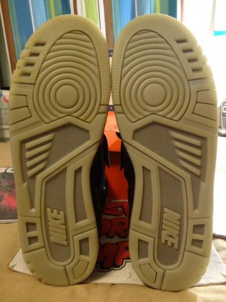 Nike-Air-Yeezy-Sample-Black-White-05-570x760