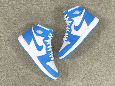 unc-air-jordan-1-retro-high-og-4