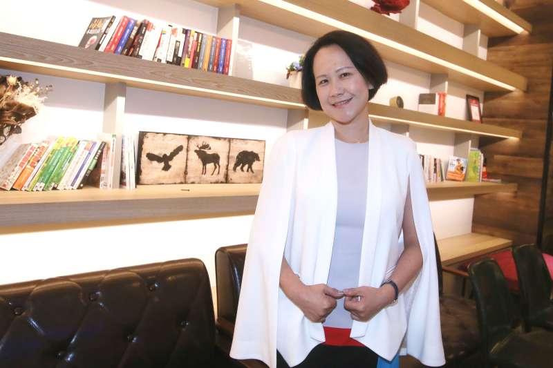 「華人領袖100」公益平台發起人石恬華。(柯承惠攝影)