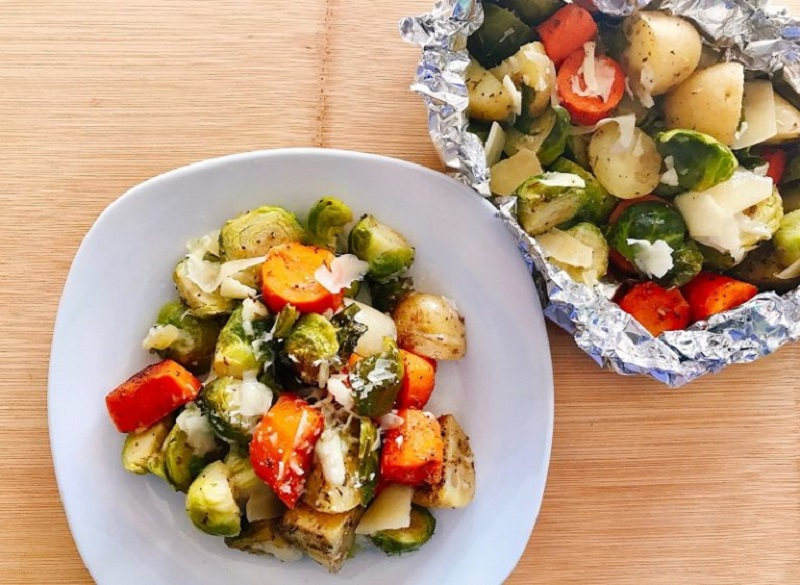 garlic parmesan veggie foil packet. recipes with brussels sprouts