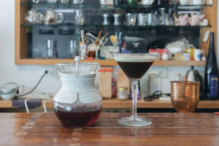 BODUM POUR OVER手沖壺-古一小舍,點滴注入的,是對咖啡的狂熱/旅咖啡系列之二