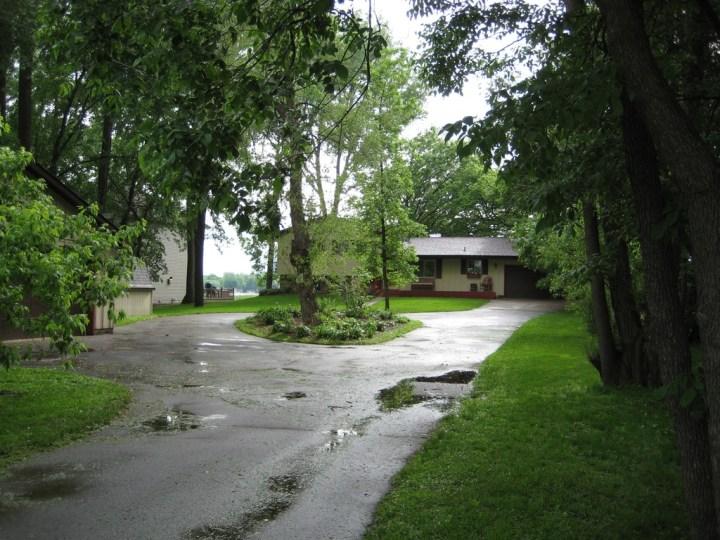 wraparound driveway