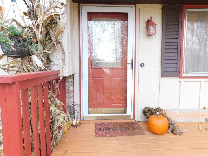 DIY front porch fall decor pumpkin