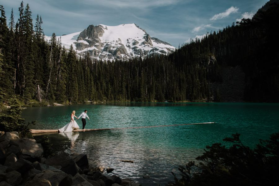 adventure session, trash the dress, whistler wedding photograher, leah kathryn photography