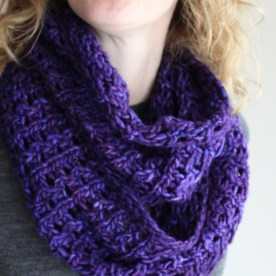 Bulky Lace Cowl Loose
