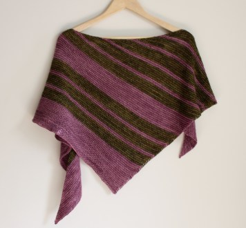8 Simple Stripes hanging