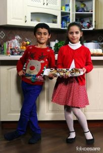 TV kids getting ready for Christmas