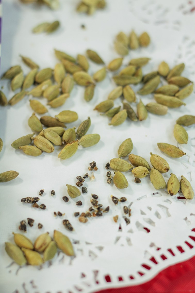 Cardamon Seeds by Al Madina Gzira
