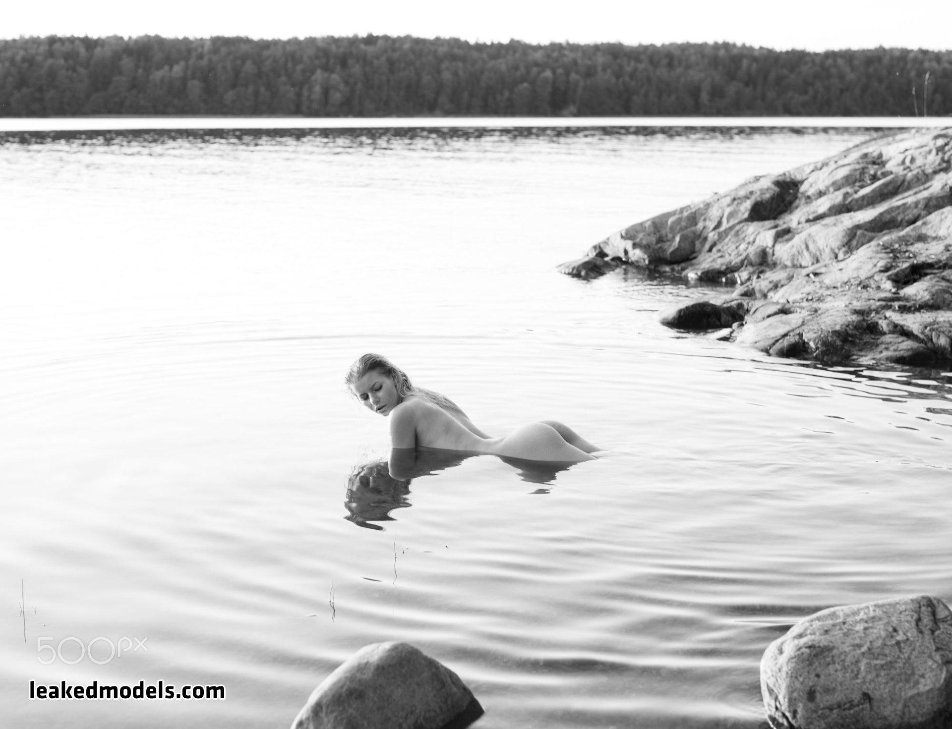 honeybabesugarpiie killeryina leaked nude leakedmodels.com 0030 - Viktoria – Honeybabesugarpiie killeryina OnlyFans Nude Leaks (30 Photos)