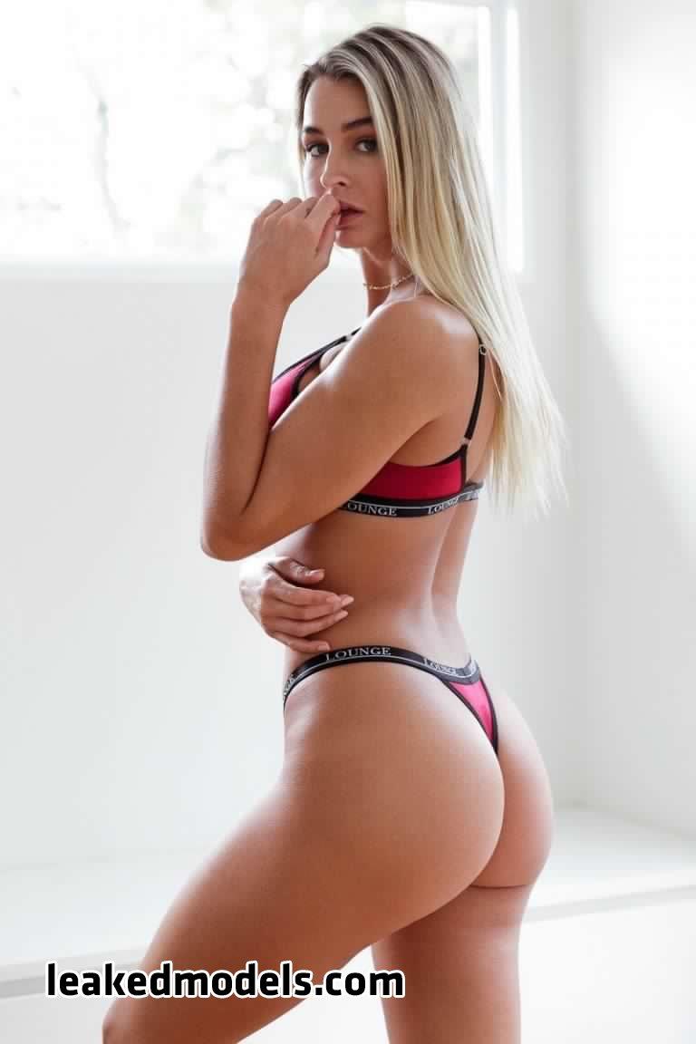 madison edwards   madi edwards leaked nude leakedmodels.com 0013 - Madison Edwards – madi_edwards Instagram Nude Leaks (25 Photos)