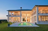 Contemporary-House-With-A-Modern-Country-Style-2
