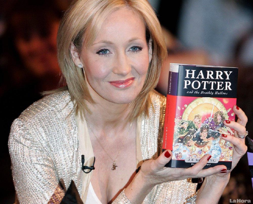 J.K.-Rowling-e-produção-principal-receberão-prêmio-da-Associação-dos-Diretores-de-Arte.jpg (1000×808)