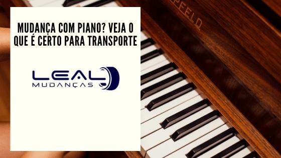 Transporte de mudança com piano